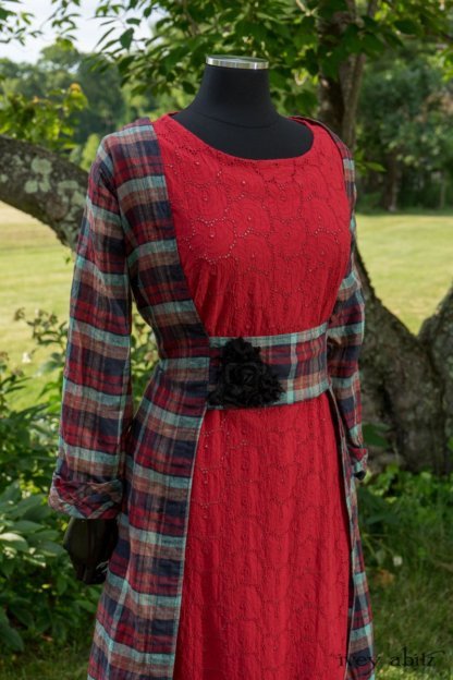 Bartholomew Dress in Seaside Rose Garden Washed Plaid; Mewland Frock in Rose Garden Floral Eyelet; Cilla Slip Frock in Peony Soft Ribbed Knit; Soutache Brooch in Black Weaves. Ivey Abitz at Boscobel House and Gardens