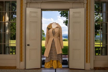 Porte Cochere Shirt Jacket in Yellow Days Washed Stripe Cotton; River Frock in Natural Plaid Open Weave; Gabled Frock in Yellow Days Washed Stretch Weave; Idyll Brooch in Yellow Days Weaves. Ivey Abitz at Boscobel House and Gardens