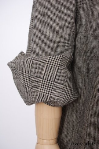 Look 6 - Spring 2018 Ivey Abitz Bespoke - Limited Edition Chittister Duster Coat in Chimney Washed Houndstooth Linen Mixed with Glen Plaid Washed Linen; Clotaire Sash in Chimney Crinkled Striped Weave; Fairholme Frock in Chimney Open Weave Plaid Linen; Fairholme Frock in Hamlet Washed Silk.