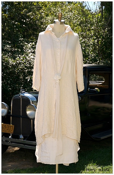 The Cordelia Dress in cream linen, circa 2008.