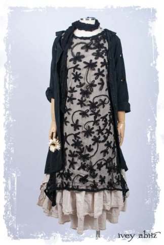 Wildefield Frock in Black Floral Netted Lace-L