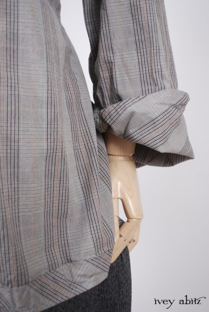 Highlands Shirt in Sparrow Grey Plaid Poplin - Size Medium