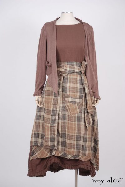Highlands Skirt in a bespoke look by Ivey Abitz